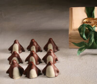 Chocolate Penguins In Wooden Box (9)