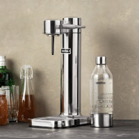 Sleek Sparkling Water Carbonator