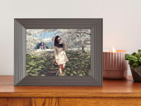 Aura: Basic Smart Connected Picture Frame