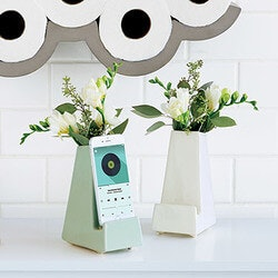 Christmas Gifts for Women:Bedside Smartphone Vase