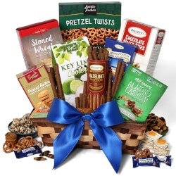 40th Birthday Gifts for Friends:Classic Snack Gift Basket