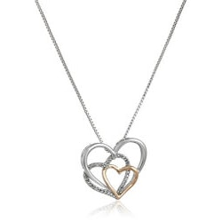 Jewelry Anniversary Gifts:Triple Heart Pendant Necklace