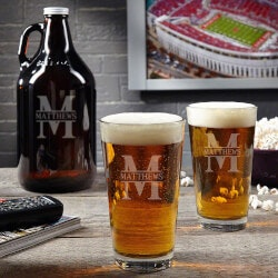 Birthday Gifts for Boyfriend Under $50:Oakmont Custom Beer Glasses And Growler
