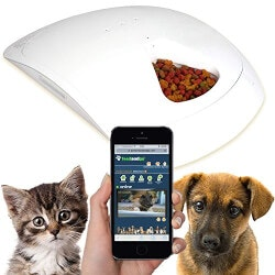 Christmas Gifts for Women Over $200:Smart Pet Feeder